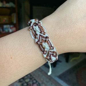 knitted adjustable bracelet 💗